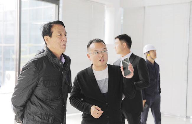 软件科技公司总经理杨乾介绍矿山智能管理系统