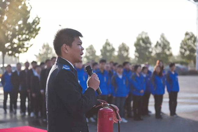 中誉鼎力智能装备有限公司进行消防实操演练