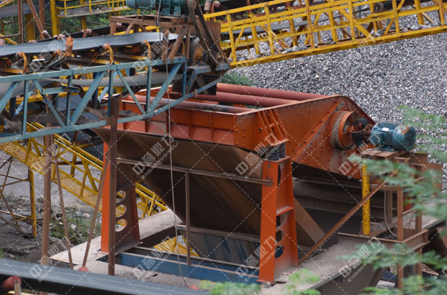 湖南娄底双峰县湘军采石场时产800-1000吨破碎制砂生产线
