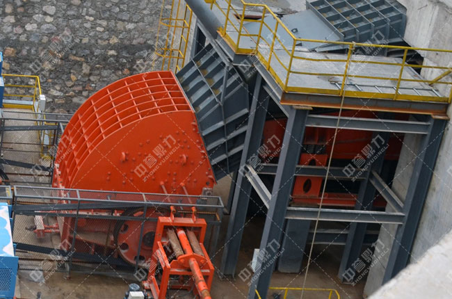 春江水泥时产1500吨骨料生产线重型锤式反击破碎机PCZ1820