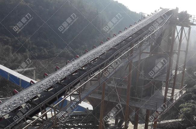 湖北宜昌鸿涛采石场时产700吨砂石生产线二道筛