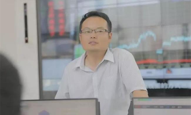 中誉鼎力软件科技公司执行董事杨乾