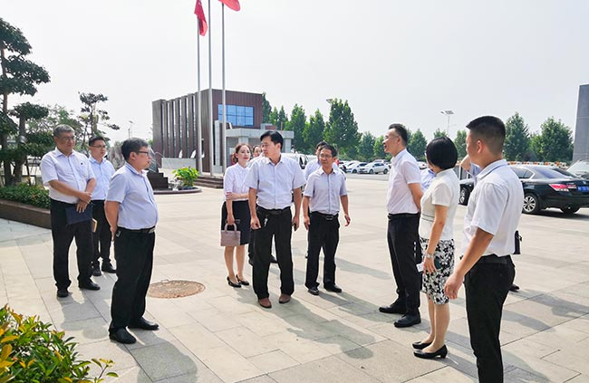 移动河南有限公司副总经理胡波一行莅临中誉鼎力考察交